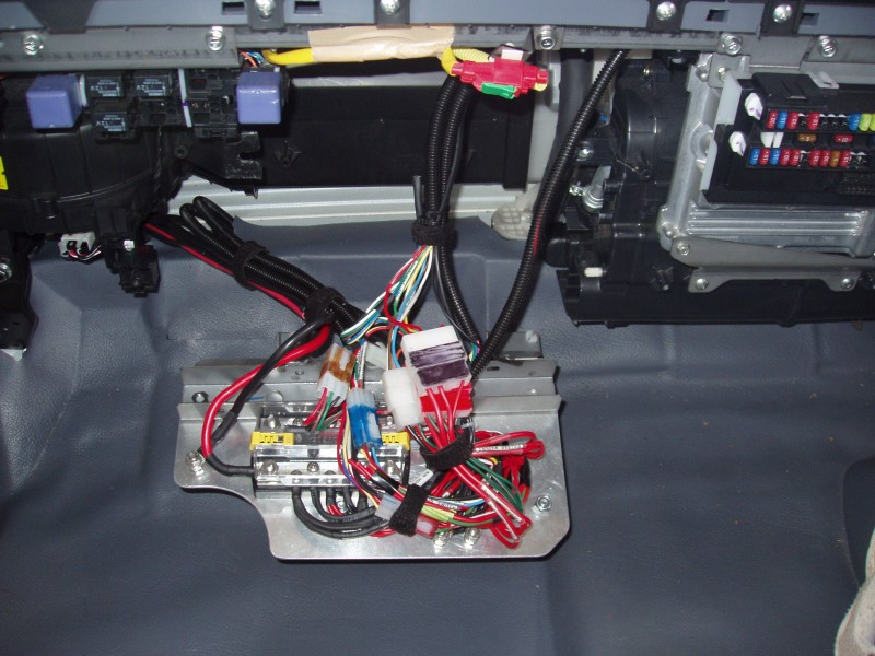 distribution_panel_01_s installing driving lights mta modular fuse box at cos-gaming.co